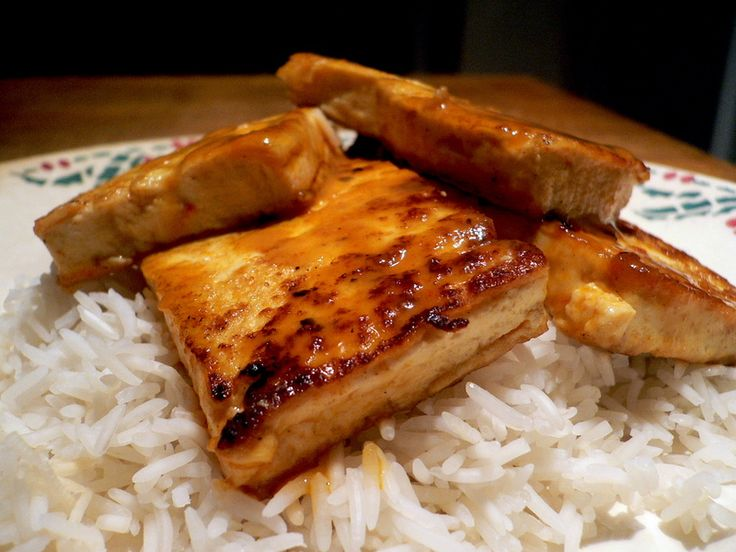 Pan-Glazed Tofu with Thai Red Curry Sauce