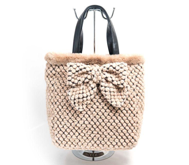 """Shoppin Bag con fiocco in lana Collezione """"Le Chicche"""" Autunno/Inverno 2015"""
