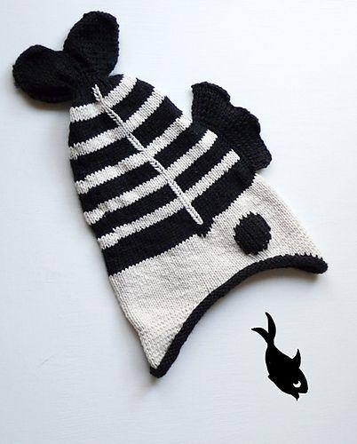 Ravelry: StarHen's Fishy Memento Mori - free knitting pattern