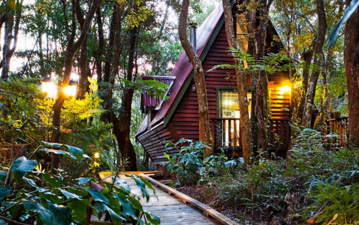 They're cosy, private, and very romantic—we've rounded up the best Gold Coast cabins and cottages for a fab winter escape. Don't forget the marshmallows.