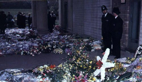 The Death of Freddie MercuryA single red rose rested atop his coffin, which was driven to the crematory in an old black Rolls Royce with flowers on the roof. Flowers sent from all over the world, covered a quarter of an acre.  Afterward, the flowers were distributed to hospitals and hospices.