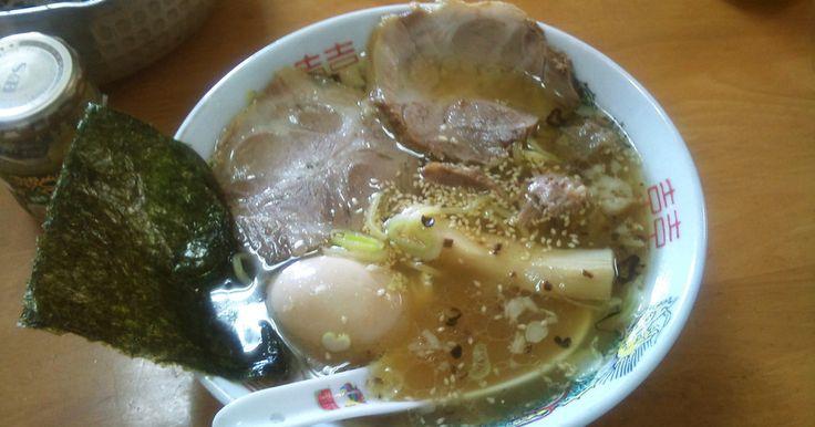 本格とんこつラーメンに負けない、超簡単とんこつラーメンスープです。