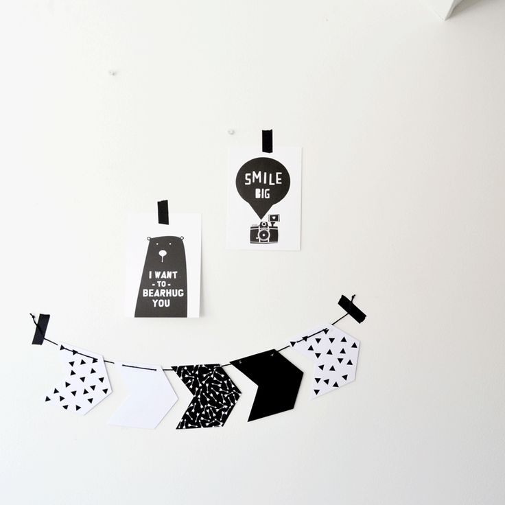 Free printable arrow garland #monochrome #white # black # triangle #arrow #flags