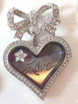 Joyce's La Bella Baskets and Origami Owl - Wedding Bridal Attire, Men's Formal Wear, Jewelry, Registries in Colorado