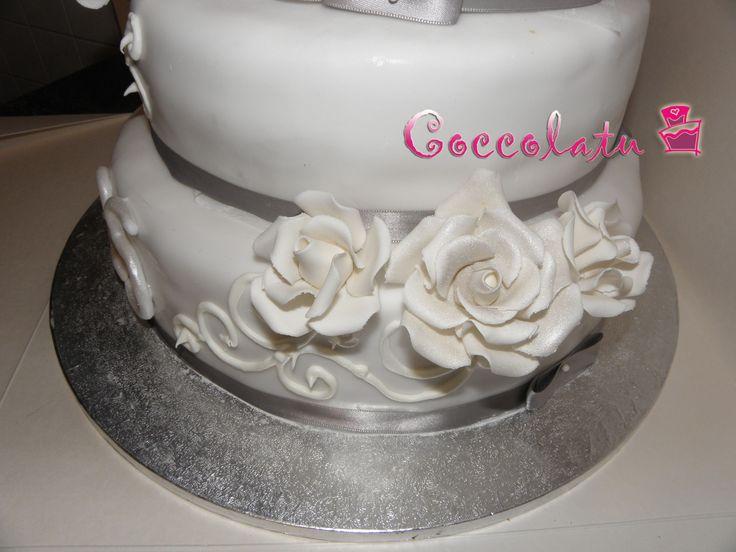 Particolare delle rose bianche spolverate di argento... <3