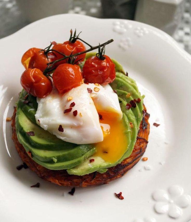 Idée pour le petit dèj' | Cafe food, Sweet potato rosti, Food drink