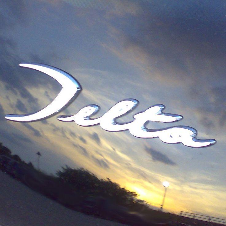 Oprócz Lancii Delta i błękitnego nieba, nic mi dzisiaj nie potrzeba :)