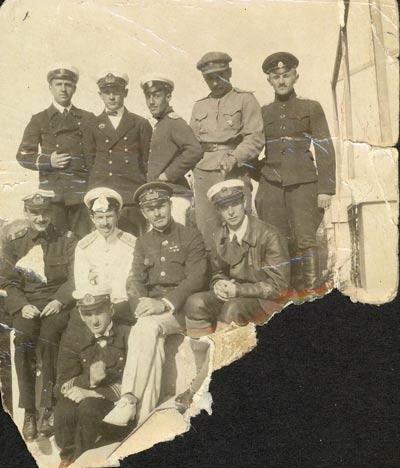 Pilotes et officiers de l'armée impériale