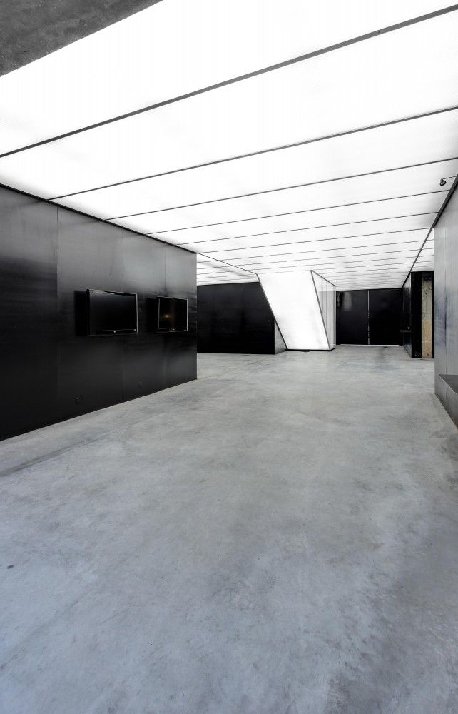 Stone Art Gallery / O- Office