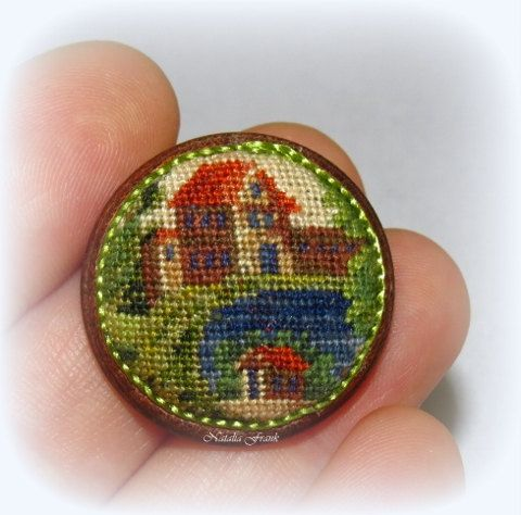 Dollhouse Miniature FINISHED Needlepoint Petit Point Round Footstool 7 1/12th scale