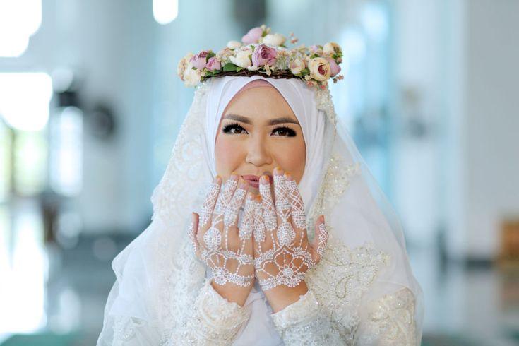 Dinda & Rafi Wedding oleh LAKSMI - Kebaya Muslimah & Islamic Wedding Service • Gaun pengiring pengantin | Bridal | Bridestory di Indonesia | Bridestory