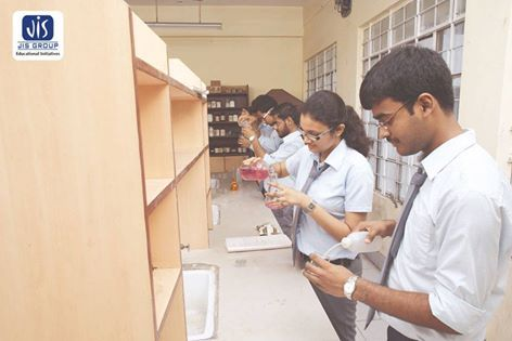 JIS Group of #Colleges conducts extra-curricular activities on a regular basis for students to raise their practical knowledge. For more click http://bit.ly/jis-group