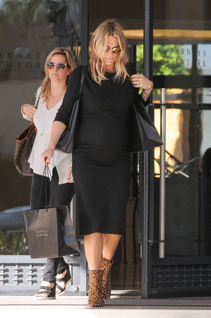 MOLLY SIMS Leaves Barneys in Los Angeles  actress MOLLY SIMS