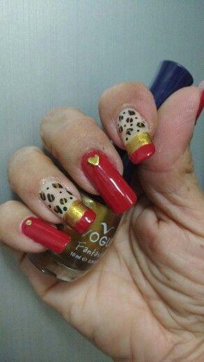 Nails rojo y dorado...