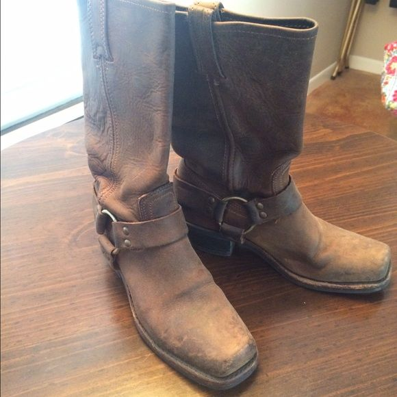 Frye Harness Boots Women's Frye Harness Biker Boots in an oiled brown leather. Preloved but in good condition and has so much life to them! Frye Shoes