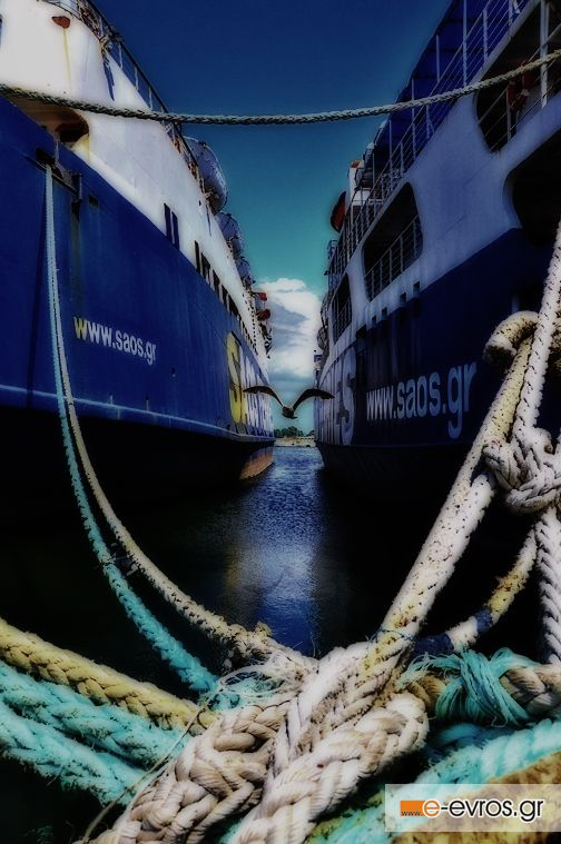 Τα παροπλισμένα καράβια στον λιμάνι της Αλεξανδρούπολης.