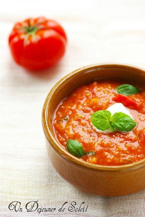 Pappa al pomodoro (soupe de tomates et pain de Toscane) - Tuscan tomatoes and bread soup ©Edda Onorato