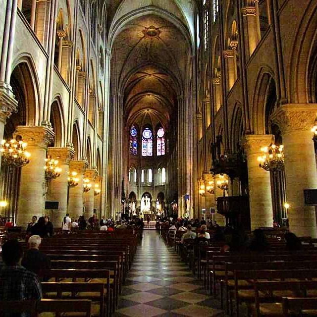 🇫🇷Inside the beautiful Notre Dame Cathedral 🙏🏽