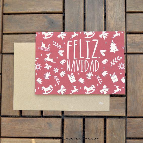 Si eres de los que piensa que mandar whatsapp para felicitar la Navidad no mola nada, estás de suerte! Con estas cinco bonitas postales se acabó eso de abrir el buzón y ver sólo facturas. Cada postal tiene un mensaje diferente. En castellano o en catalán: -Feliz Navidad -2015 nos espera, y va a ser genial -Ho ho ho -Feliz Navidad y próspero 2015 -Feliz Navidad  http://shop.laucreativa.com/product/postales-navidenas