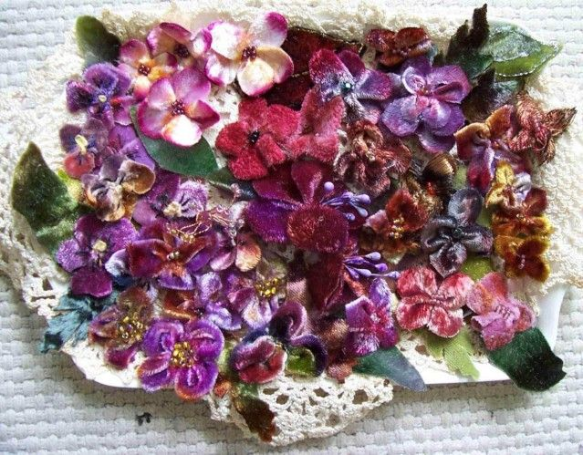 velvet flowers look pretty easy, waay easier than Leather. I'll start with these and work my way up