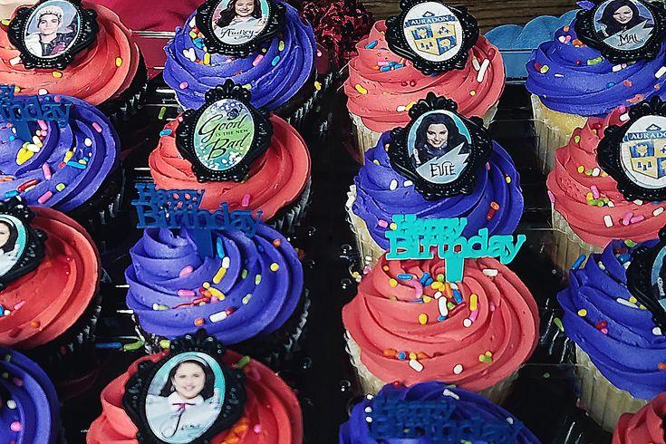 disney's descendants cupcakes - 735×490
