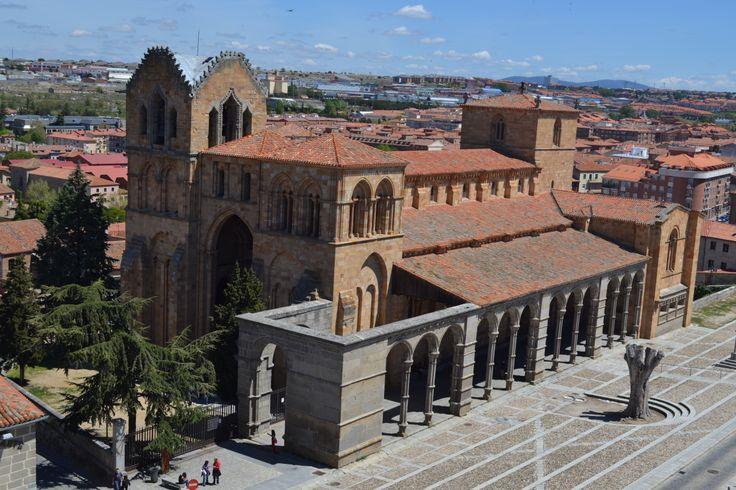 Basílica de San Vicente vista desde la muralla (Ávila)