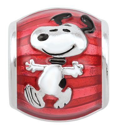 Celebrate America with Charlie Brown and Snoopy! This adorable sterling silver bead is the perfect way to show your patriotism.