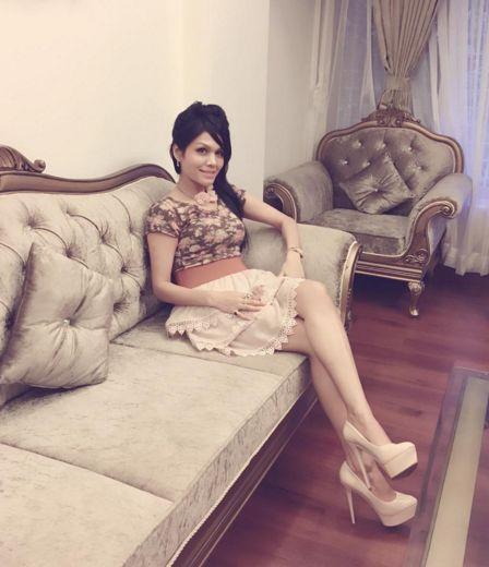 Look guys her eyes, she is an angel. She is Sonu kakkar. #Sonukakkar #bolywood #singer #lovely