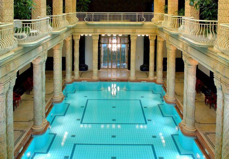 http://www.budapestvoyage.fr/wellness-spas-bains-thermaux-budapest/bains-gellert-budapest #bainsbudapest #budapest #gellertbudapest