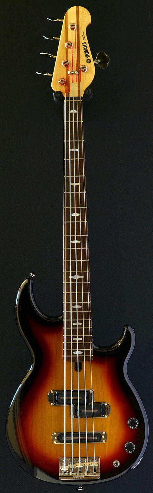 YAMAHA 2025 5 string bass (2013)
