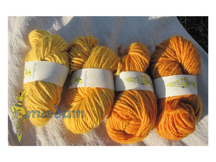 wool dyed with onions Zwiebelschale auf Wolle