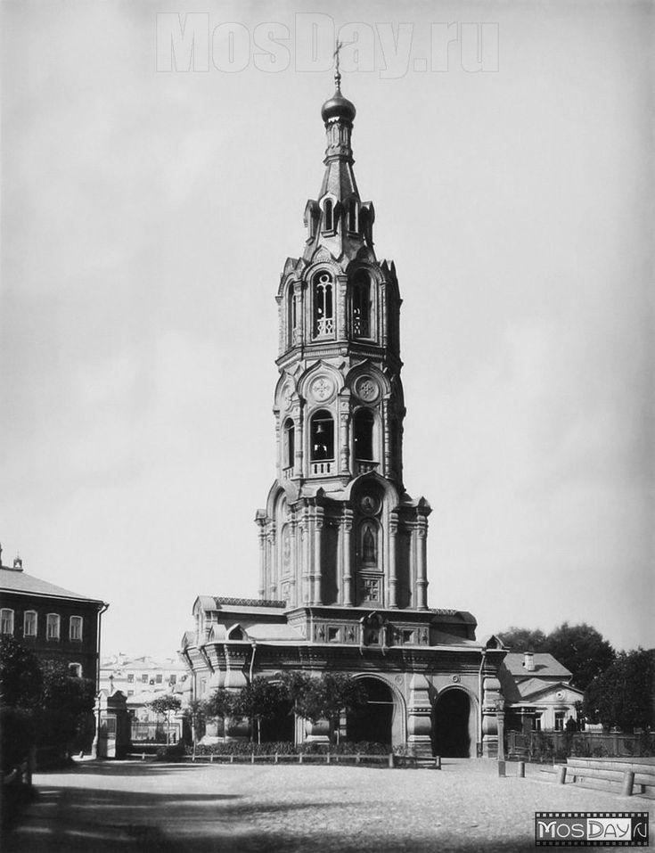 Воронцово Поле, 16,  при  церкви  Ильи  Пророка  была  такая  колокольня.  Теперь  -  дома.