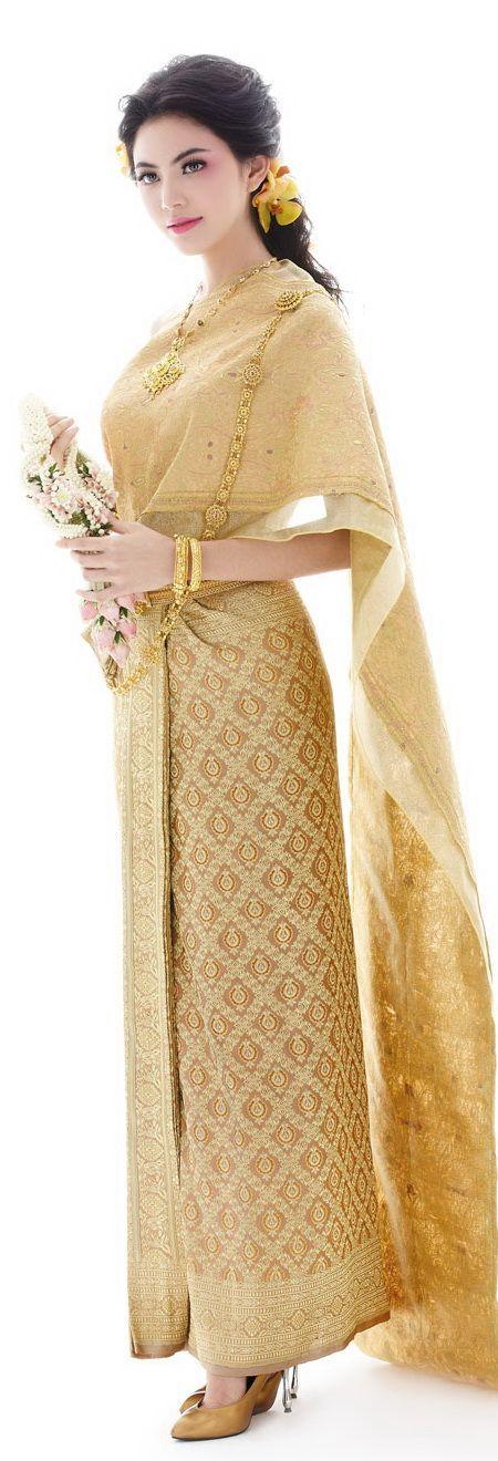 Thai traditional wedding dress