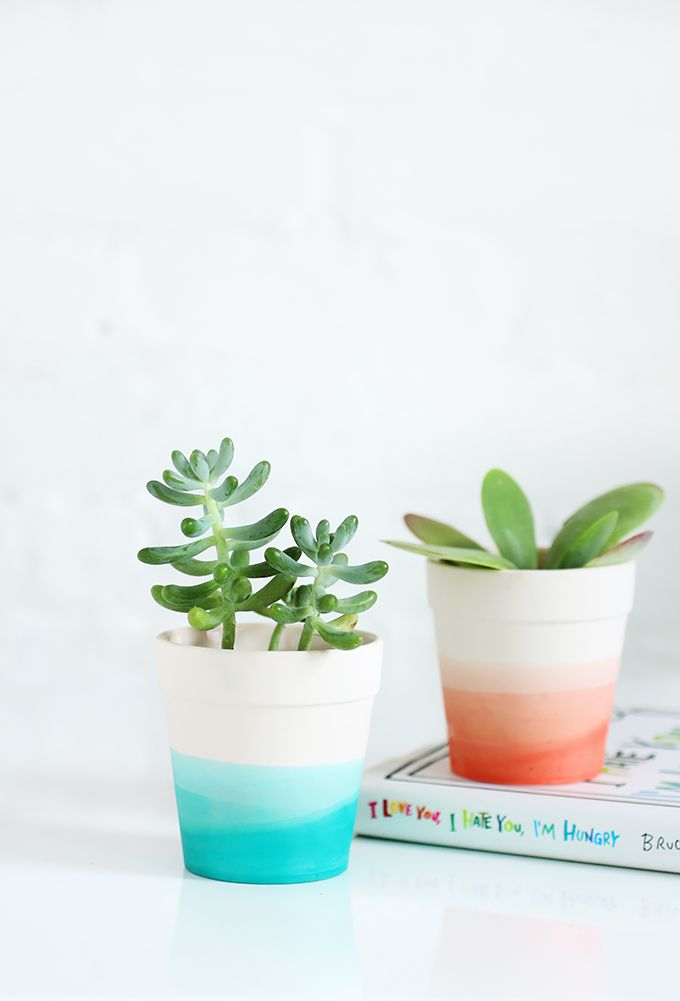 Adorable Ways To Decorate Terracotta Pots Dip Dyed Dips And - Diy two tone painted pots