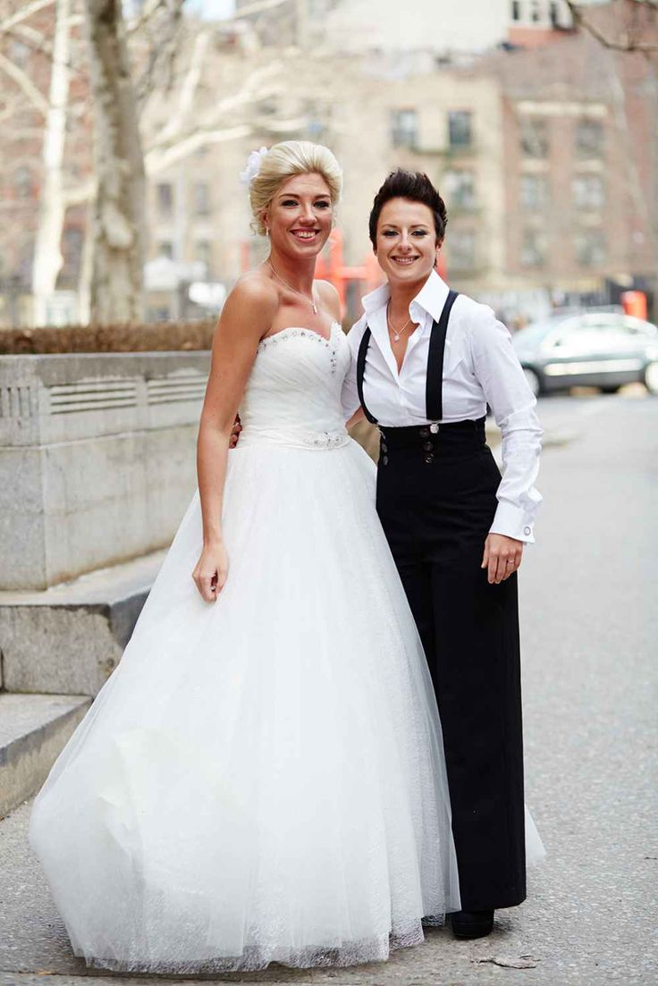 Spring City Hall Wedding Pictures In NYC #Wedding #WeddingIdeas  #CityHallWedding #CityHall #