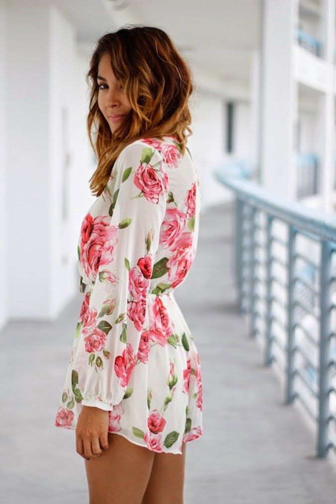 This floral romper is so cute! It's perfect for spring or summer!