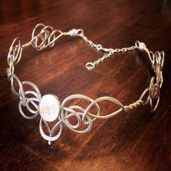 GUINEVERE diadème - Rennaisance médiévale elfique celtique - main fil enroulé - Choisissez votre propre couleur - couronne diadème de mariage nuptiale postiche
