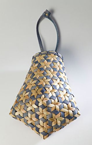 Somband and bark purse basket by Oxfordshire Basketmakers