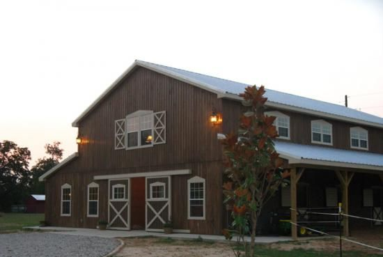 Barn doors farm sheds pinterest barn homes barns for Western home builders