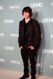 Munro Chambers HE WOULD BE THE PERFECT NICO<----as the one before me commented. Ashley I wish to hear what you say about this.