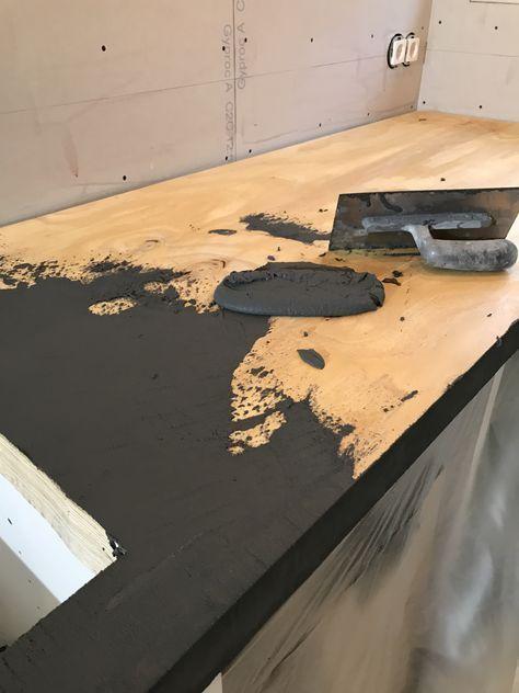 Herstellung eines Küchendaches mit Beton, Betonmörtel über Holz. Erhältlich in mehr als 60 Farben www.stucadoorstiens.nl – Salvabrani