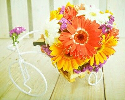 Celebrar la vida de una hermosa quinceañera..arreglo de flores especiales