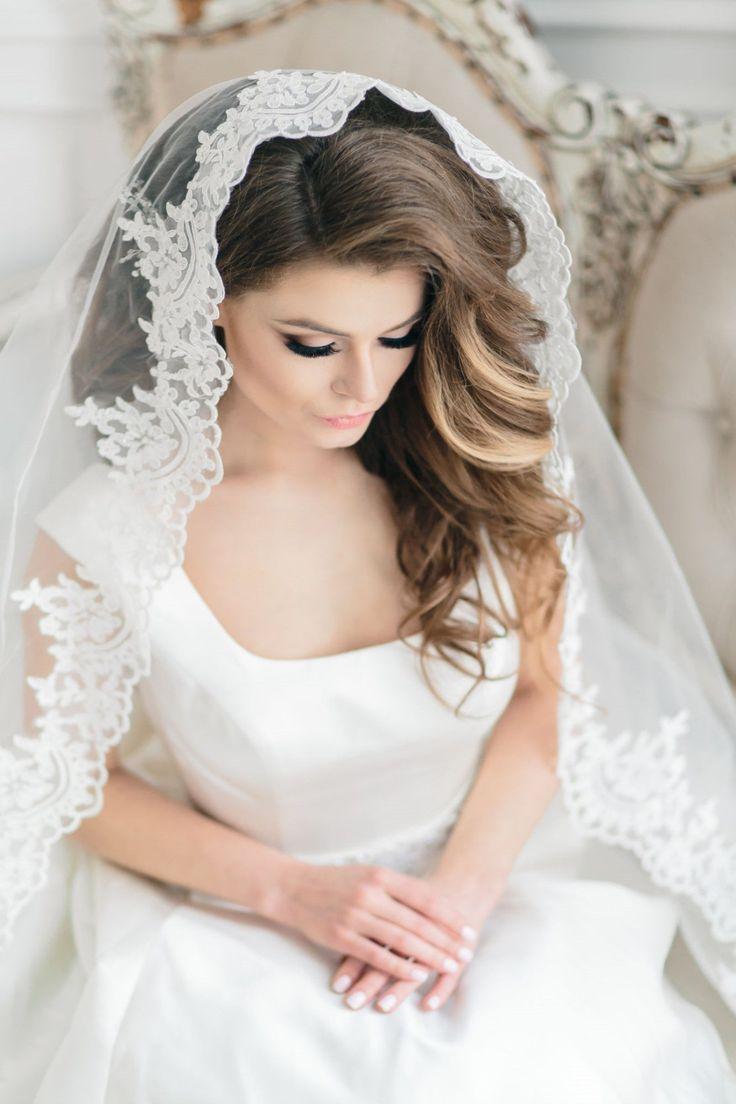 cool Трендовые свадебные прически на средние волосы с фатой (50 фото) — Мода 2017