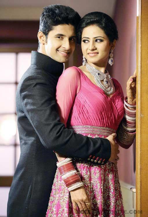 Ravi Dubey Sargun Mehta's wedding reception a starry affair! #RaviDubey #SargunMehta #wedding