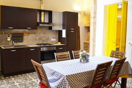 Dai un'occhiata a questo fantastico annuncio su Airbnb: Salento Guesthouse Calimera - case in affitto a Calimera