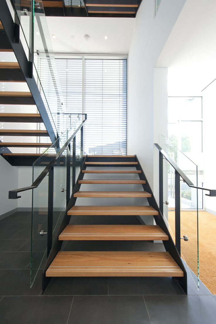 25 Best Ideas About Modern Staircase On Pinterest: 25+ Best Ideas About Commercial Stairs On Pinterest