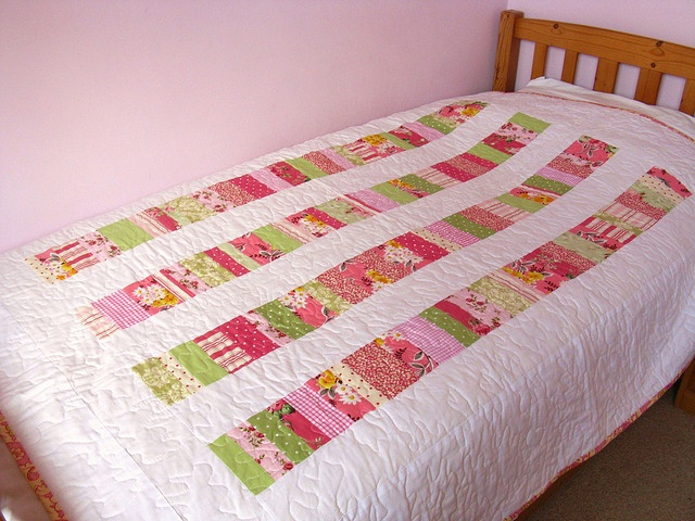 stacked coin quilt by angharad handmade, via Flickr