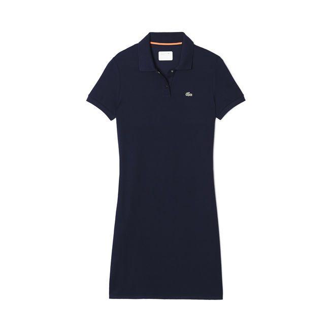 Inspirée du golf, cette robe-polo Lacoste Sport unie est confectionnée en petit piqué de coton. Associez ce modèle élégant à une paire de baskets blanches et un cabas en cuir signature de la collection.