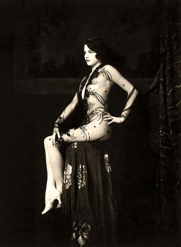 Ziegfeld Follies Girls 1920 Broadway 11 Beatiful girls from 1920
