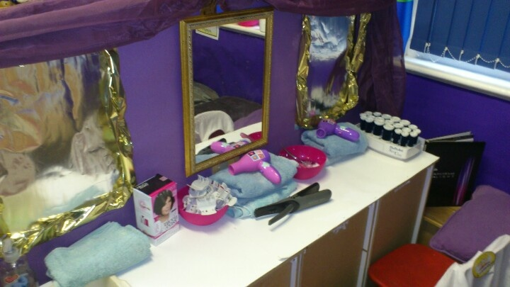 Hair salon and nail bar role play area